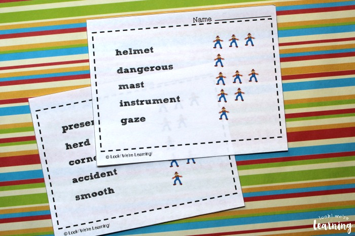 Printable Scarecrow Syllables Activity for Kids