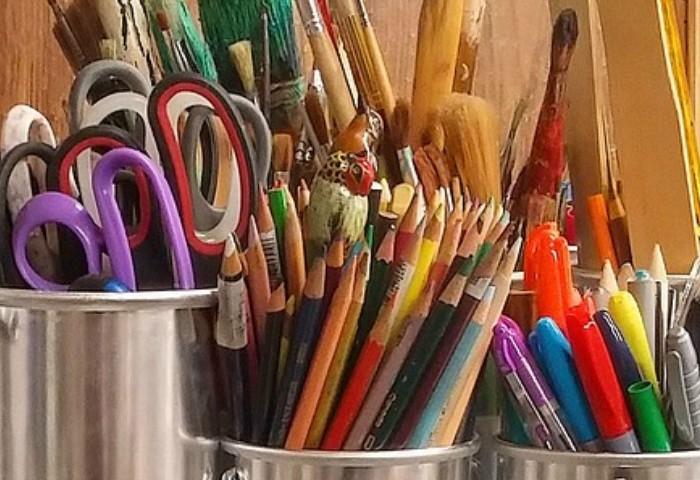 Minimalist Homeschooling: Cutting Down on Craft Supplies