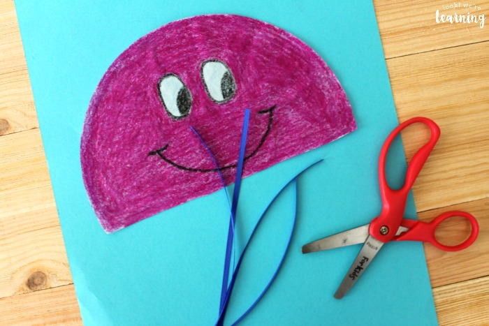 Making an Easy Coffee Filter Jellyfish Craft