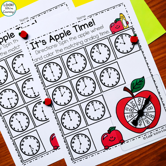Telling Time Math Center for First Grade